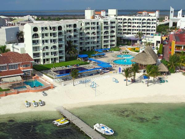 Aquamarina Beach Resort Cancun
